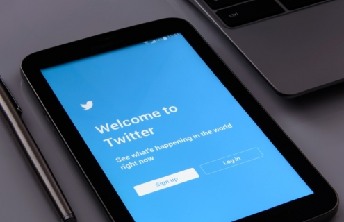 Can Twitter Sway Economic Policy?