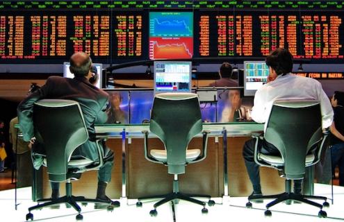 Markets Hit By Economic Fears, Political Turmoil in U.S. And Europe