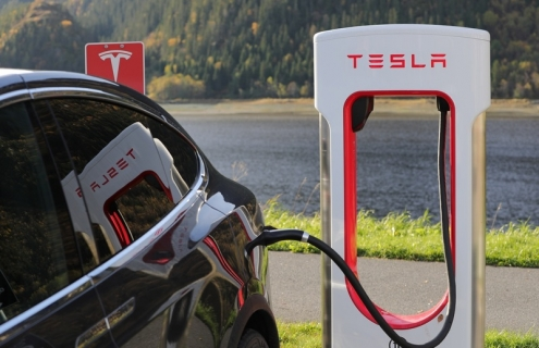 Tesla Cuts Full-Time Employees To Keep A Lid On Spending